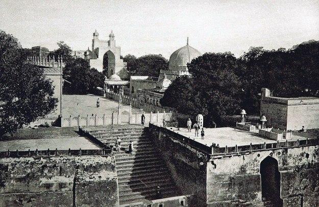 1200px-Ajmer_Sharif_Dargah_1893